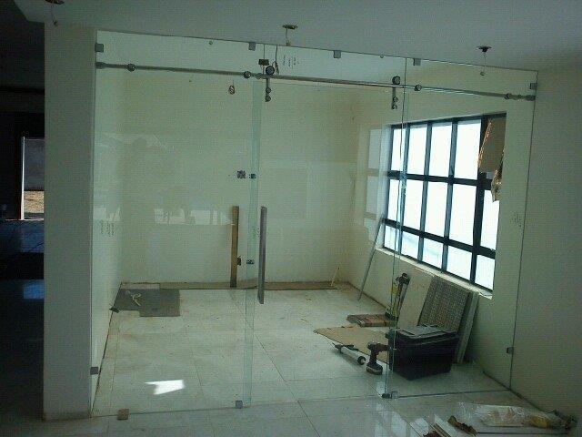 frameless-sliding-door